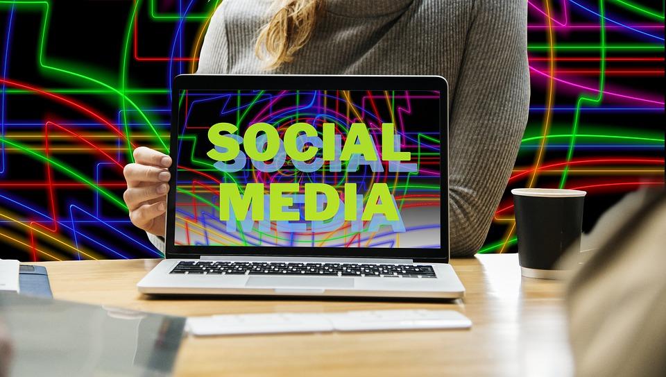 Votre entreprise dans les réseaux sociaux grâce à la technologie