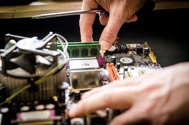 Quelles activités rentables mener dans le secteur de l'informatique ?